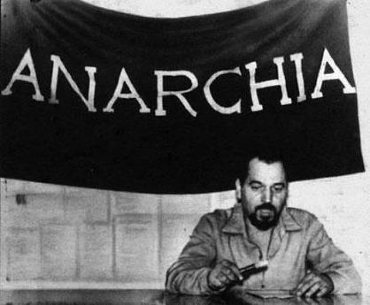 Pinelli inaugurazione circolo Anarchico Ponte della Ghisolfa, primo maggio 1968