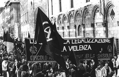 foto corteo a Pisa per protestare contro l'assassinio di Franco Serantini